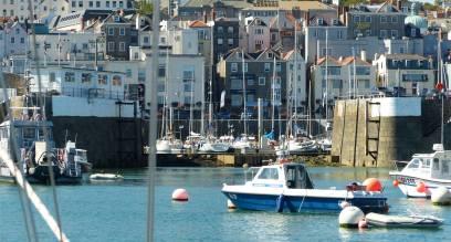 Einfahrt Guernsey