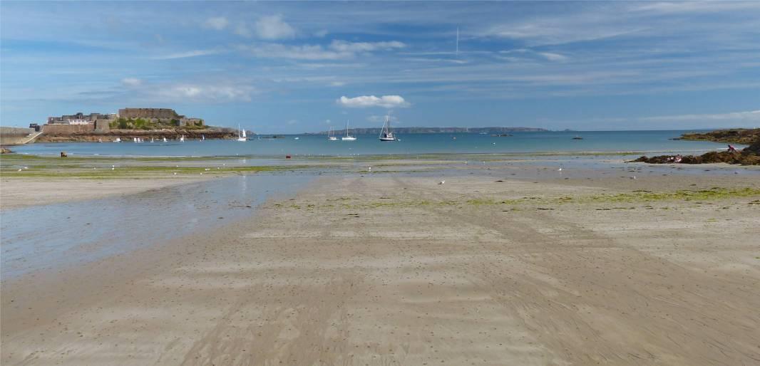Guernsey bei Ebbe