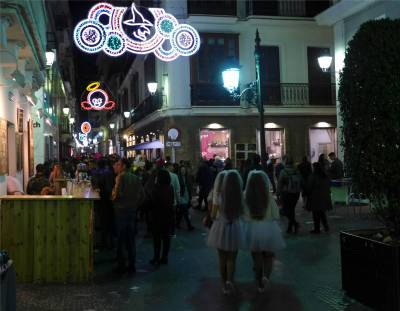cadiz-karneval-beleuchtung