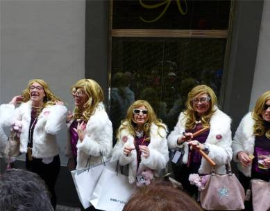 cadiz-karneval-singende-diven