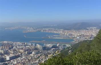 gibraltar-blick-auf-marina-la-linea