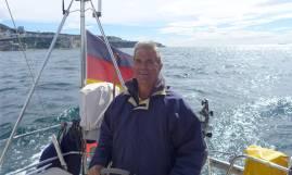 Gibraltar Nobbi am Ruder
