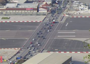 Gibraltar strasse ueber Flughafen