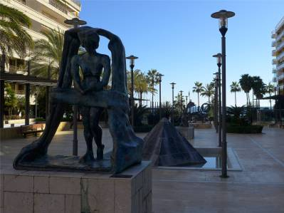 Marbella Dalí in der Fussgaengerzone