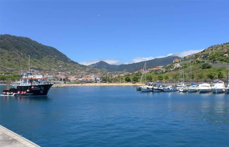 Madeira Am Hafen von Machico