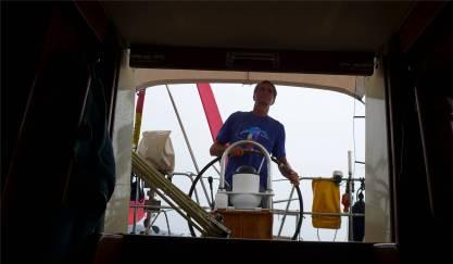 Atlantik Nobbi steuert im Regen