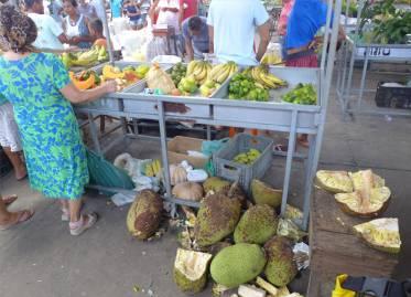 Maragogipe Marktstand mit Jackfruit