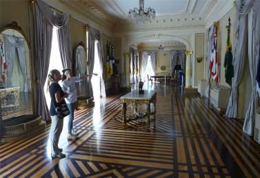 Recife Gouverneurspalast Louisa macht einen super Job