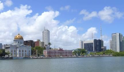 Recife mit goldener Kuppel