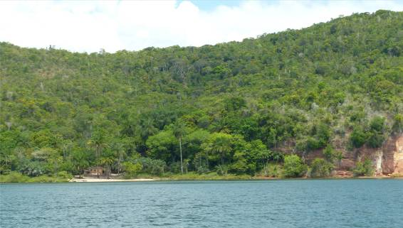 Rio Paraguacu mit Ruine