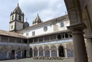 Salvador Sao Francisco Kreuzgang und Kirchturm