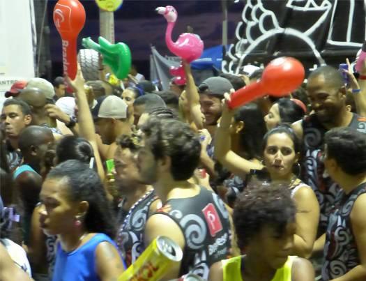 Carnaval Lisas Flamingo feiert mit