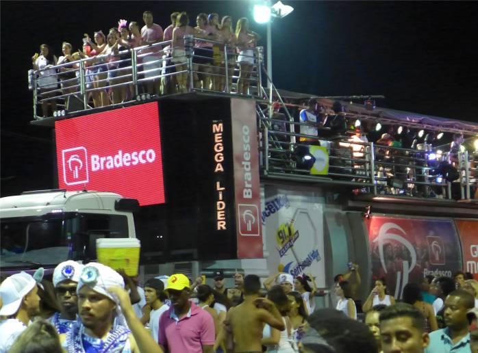 Carnaval ne riesen Party