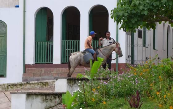 Lencois mit dem Pferd unterwegs