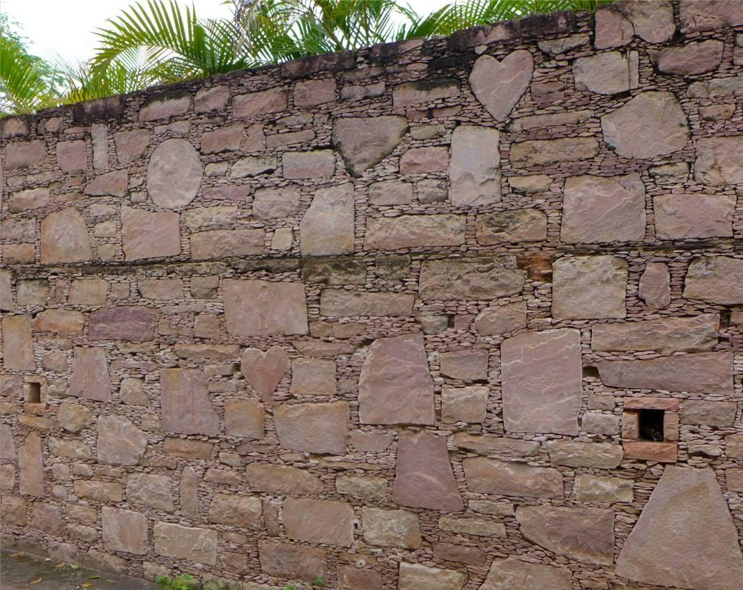 Lencois schöne Mauern