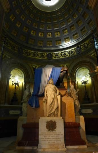BA Grab von san martin in der Kathedrale