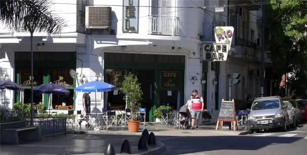BA nettes Eckcafe