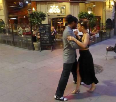 BA Tango auf der Strasse