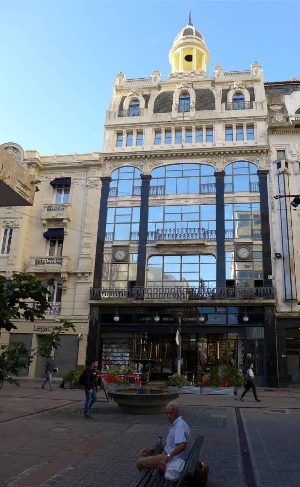 Montevideo Schoenes Haus schoener Buchladen