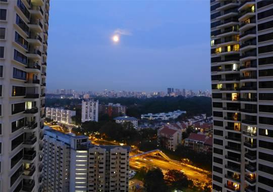 Singapore und der Mond
