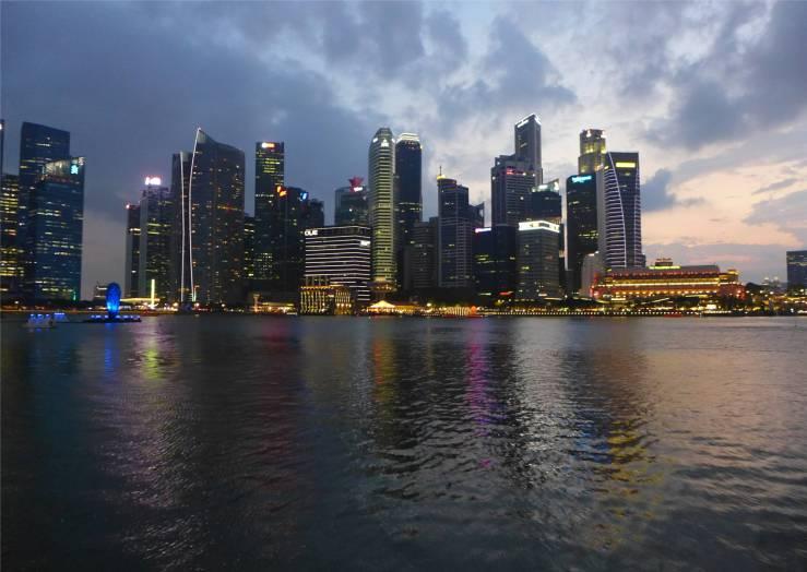 Singapore viele spannende Hochhäuser