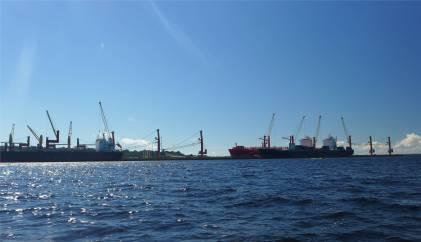 Manaus hier kommen große Schiffe her