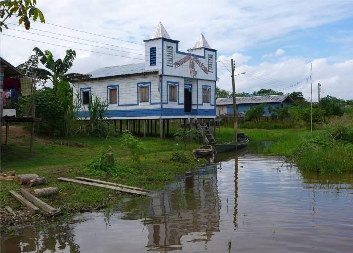 Uacari Caburini Community Kirche