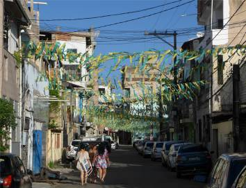 Salvador grün und gelb in jeder Straße