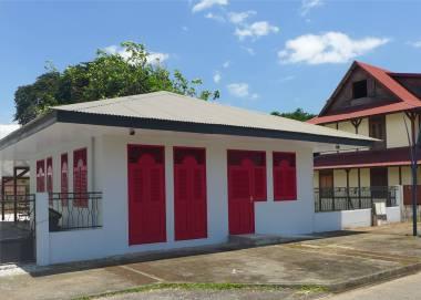 FG Kourou Es gibt auch schöne und gepflegte Häuser