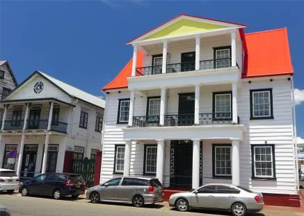 Suriname Paramaribo so ein nettes Holzhaus