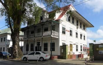Suriname Paramaribo viele Holzhäuser