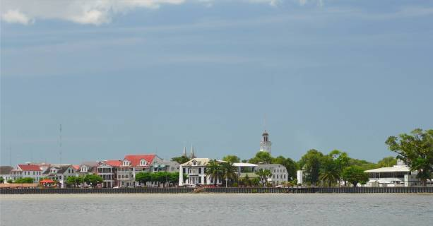 Suriname Paramaribo vom Wasser