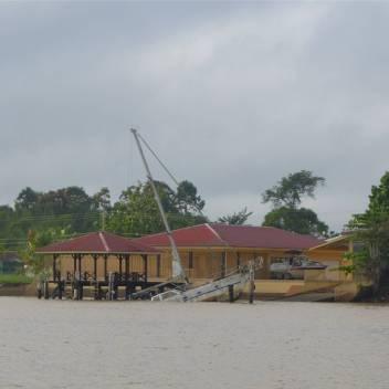 Suriname Schiff gestrandet