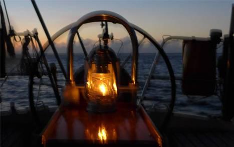 Grenada abends mit Petroleumlampe