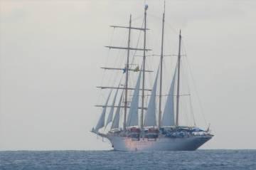 Grenada Star Flyer segelt davon
