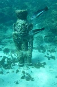Grenada UWSkulpturen Urahne mit Fischen