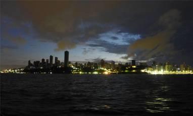 Salvador bei Nacht