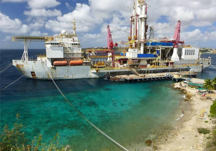 curacao schiff wartet auf bessere zeiten und einen neuen einsatz