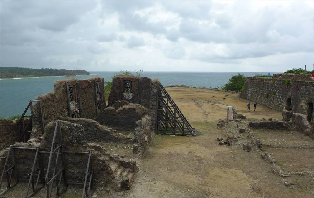 Panama San Lorenzo Blick ueber das Fort auf die Karibik