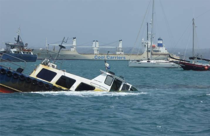 Panamakanal Schiffssammlung vor Shelter Bay