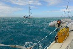 fp tahiti wenn das wasser ums boot beim aufwachen so aussieht war der platz nicht gut gewaehlt9072324454787039812..jpg