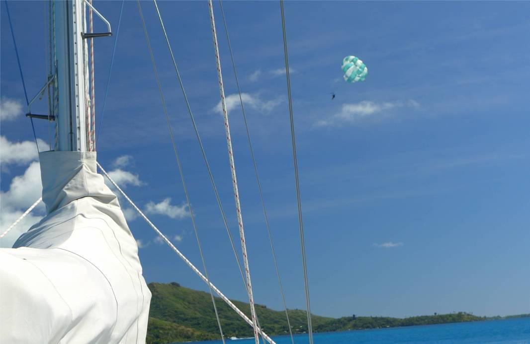 FP Bora Bora haben Fallschirme Vorfahrt