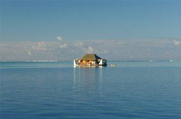 fp huahine schwimmendes hotelzimmer2932276050742395003..jpg