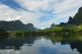 FP Moorea Baie de Cook glattes Wasser.JPG
