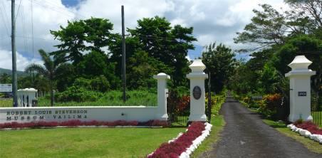 Samoa Apia die imposante Einfahrt zum Museum