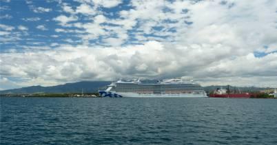Fiji Lautoka Kreuzfahrer an der Pier