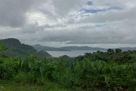 Fiji Vanua Levu Blick ueber die Kueste