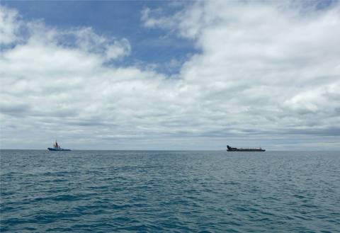 Fiji Viti Levu dieser Schleppverband verfolgt uns stundenlang