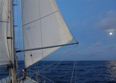 Passage nach Fiji mit Mond
