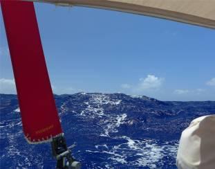 Passage nach Fiji Ursel steuert die Wellen aus